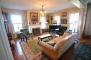 <h5>Living Room,</h5><p></p>