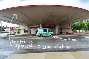 St-Louis-spaceship-labeled